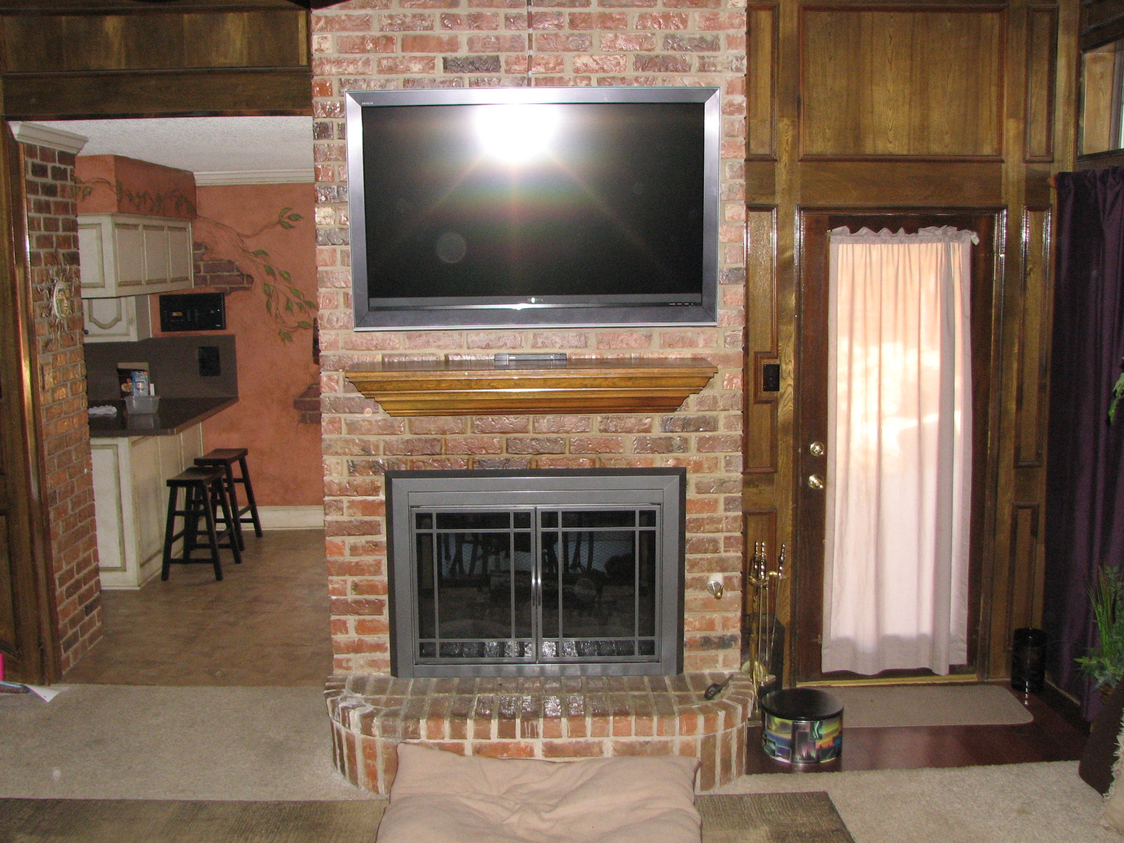 Fireplace tv installations unisen media llc for Tv over fireplace